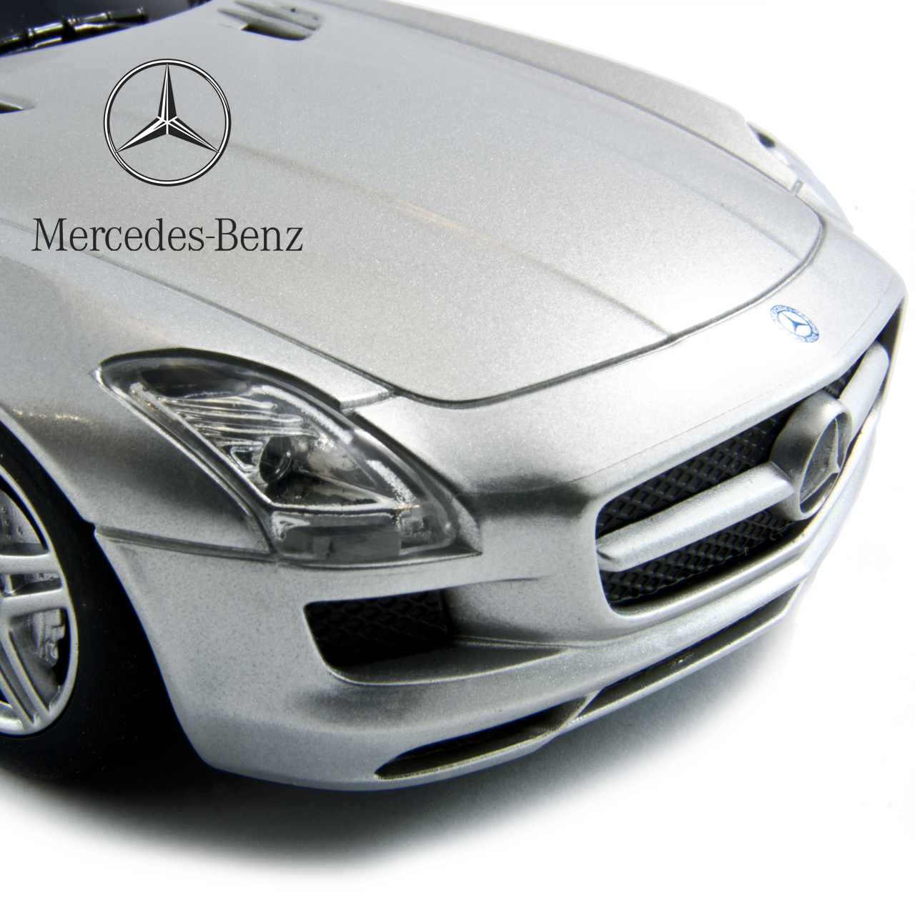 Silver Mercedes SLS 1:24 Scale